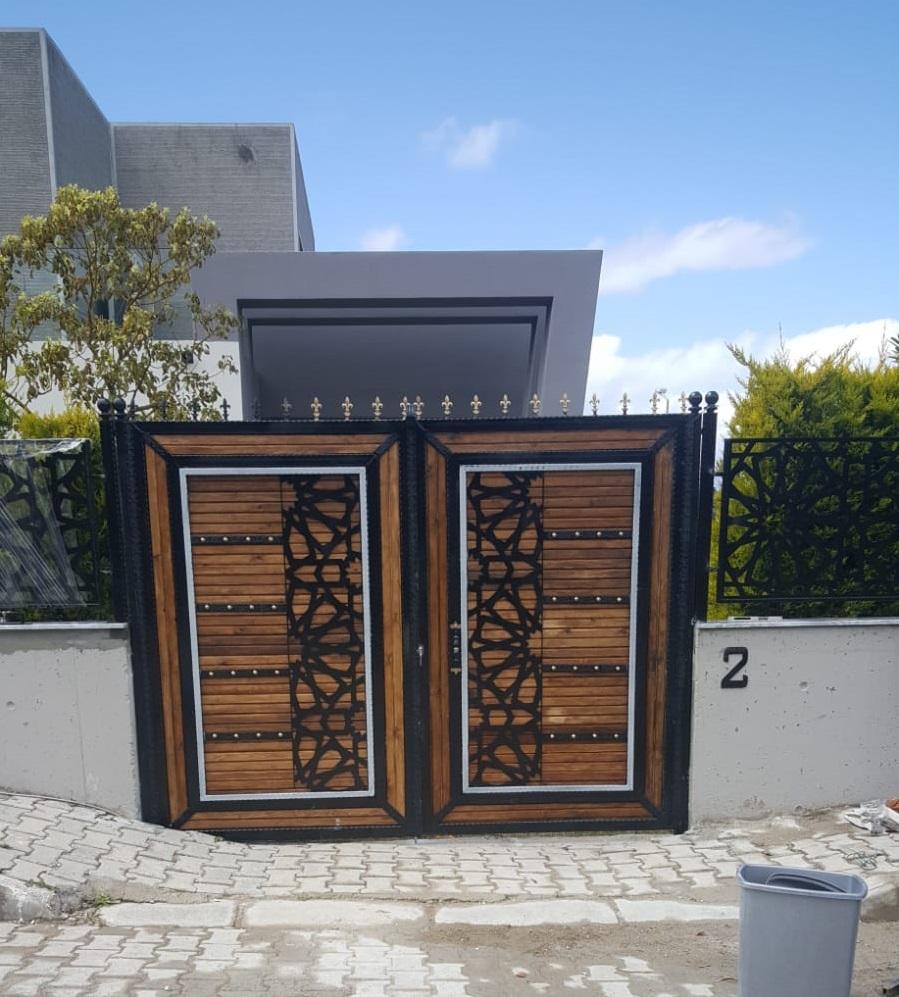 Ferfroje Villa giriş kapısı